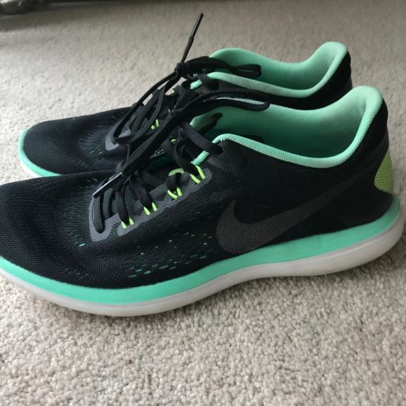 692decc2dd66 Women s Nike Flex Trail Running Shoes Size 8. M 5bb914bbdf0307eef093d3ab